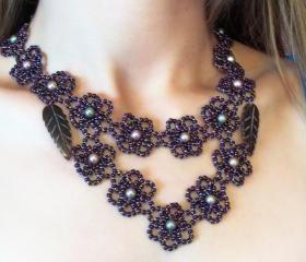Pearly Petals Necklace, Beading Tutorial in PDF