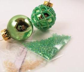 Beaded Ornament Kit Green and Ivory